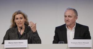 François-Henri Pinault et Marie-Claire Daveu en conférence de presse en 2015