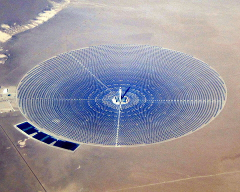 Crescent_Dunes_Solar_2